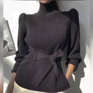 Sweaters - 🔥HOST PICK🔥 Gorgeous Turtleneck with Tie front